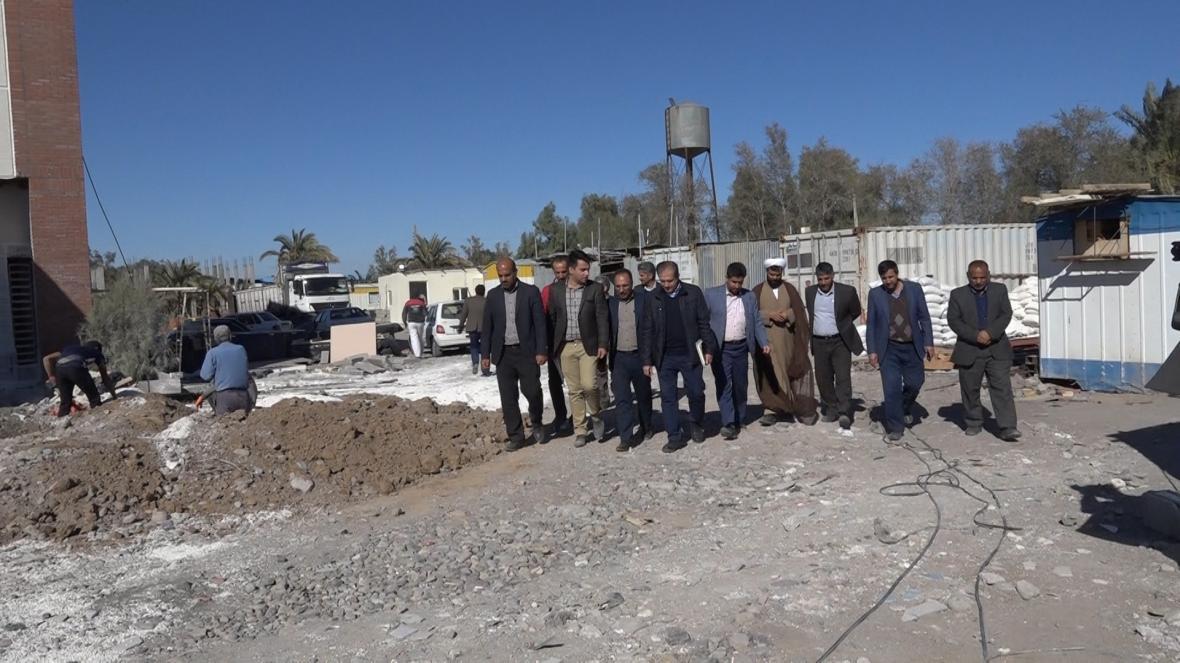 بازدید معاون عمرانی سازمان برنامه و بودجه از ساخت بیمارستان 32 تختخوابی فهرج