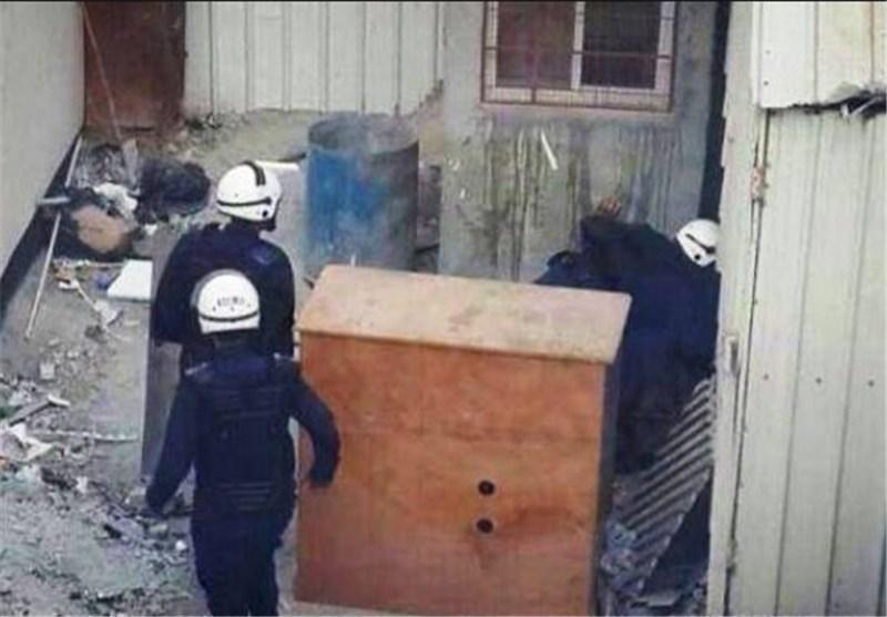 چاقوکشی نیروهای امنیتی بحرین در حمله به منازل مسکونی!