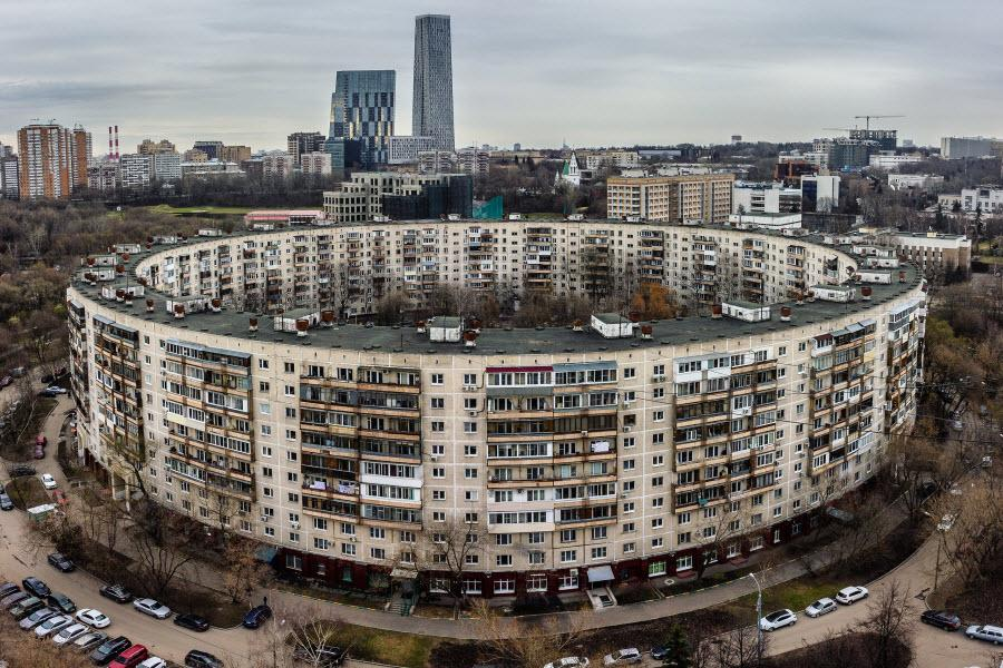 بوبلیک - یادگاری از معماری های عجیب عهد شوروی - مجموعه آپارتمان های حلقوی