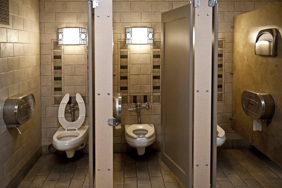 کشیدن سیفون توالت ویروس کرونا را در هوا پخش می کند