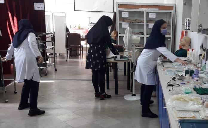 حضور 43 دانشجو در آزمون مهارت های بالینی دانشگاه آزاد اسلامی رشت