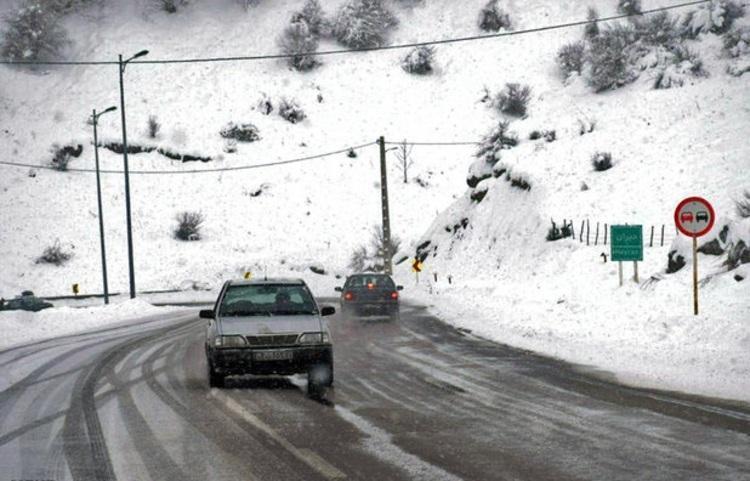جاده های 20 استان زیر بارش برف و باران