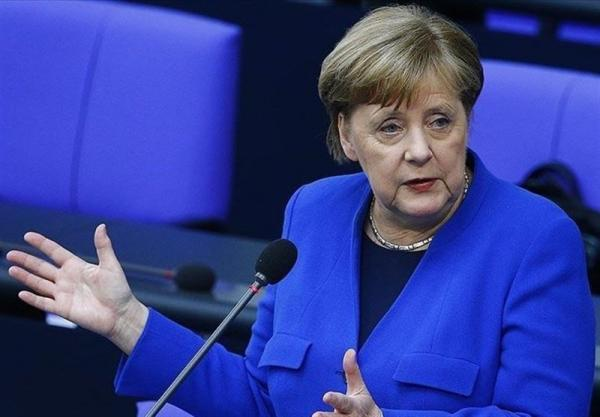 مرکل بار دیگر از ایده خود برای برگزاری اجلاس اتحادیه اروپا با پوتین دفاع کرد