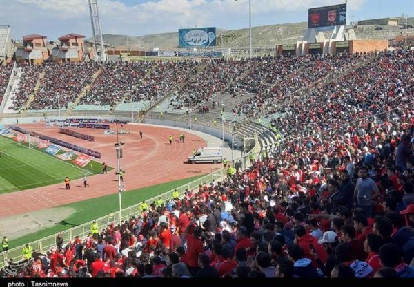 چاپ تراکت: محمودی: با حضور طرفداران در استادیوم مسائل تراکتور کم می گردد، فعالیت نقل وانتقالاتی مان تقریباً تمام شده است